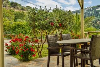 family suites iro garden