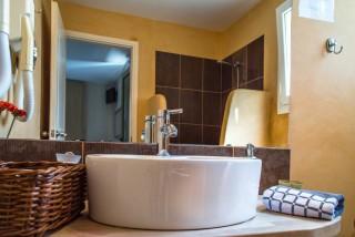 standard room iro suites amenities