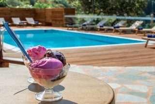 swimming pool iro suites ice cream
